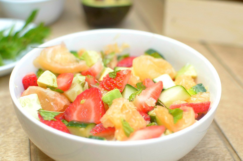 minty-strawberry-avocado-salad-with-citrus